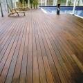 Pavimento in legno decking piscina