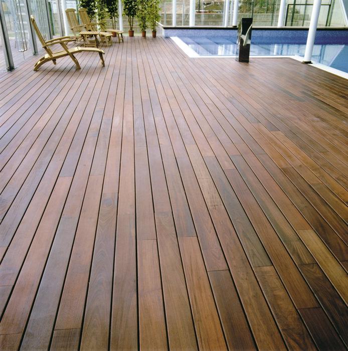 Pavimenti esterni in legno decking in ticino - Pavimento in legno esterno ...