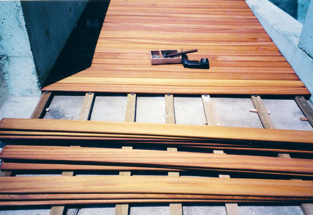 Posa pavimento in legno idee creative e innovative sulla - Posa pavimenti esterni ...